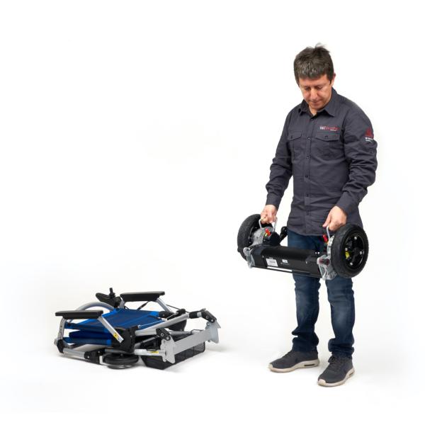La sedia a rotelle elettrica leggera e pieghevole che puoi sollevare e si adatta a qualsiasi auto.